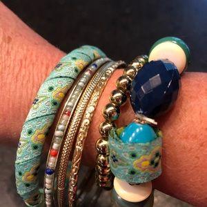Jewelry - Set of 6 bracelets ✨💙✨